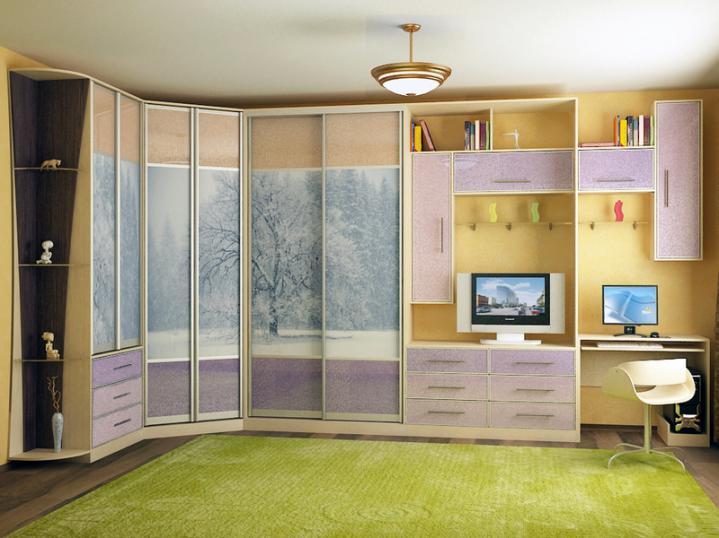 Шкафы купе дизайн в спальню с компьютерным столом